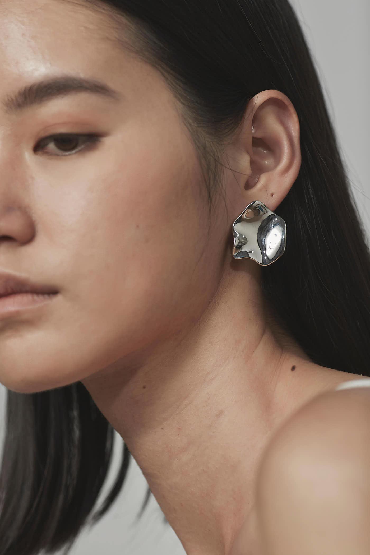 Hahn Earrings