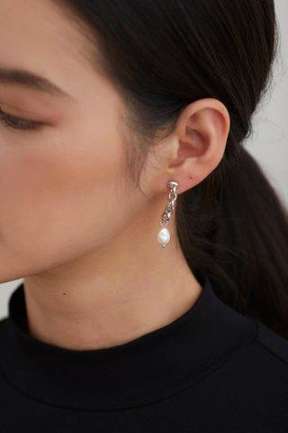 Qwin Earrings