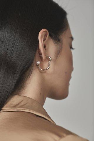 Shya Earring