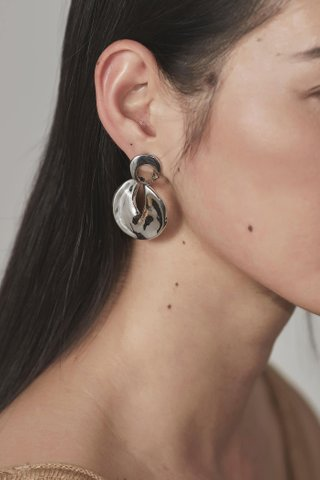 Darya Earrings