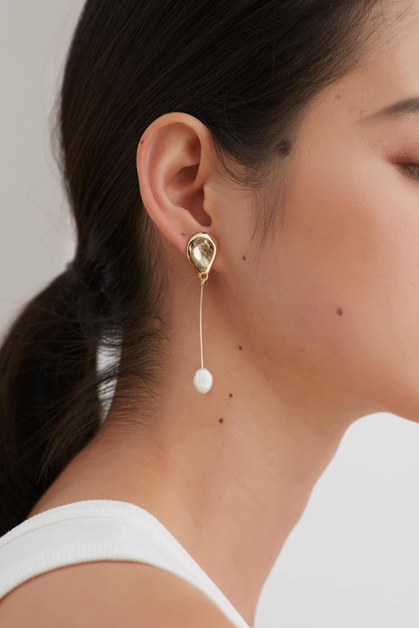 Daiva Drop Earrings