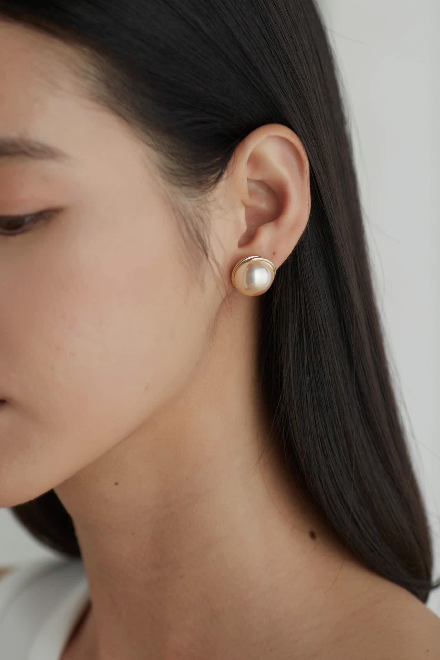 Alexa Ear Studs