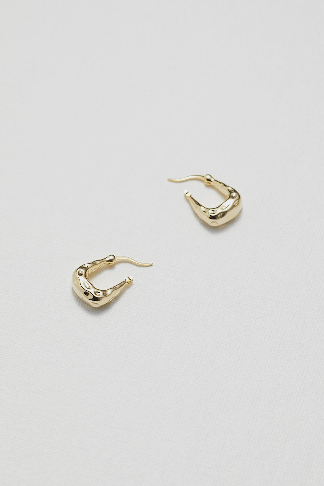 Douce Hoop Earrings