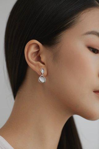 Zahra Drop Earrings
