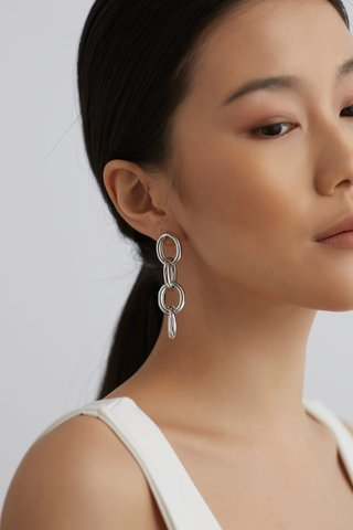 Keira Chain Earrings